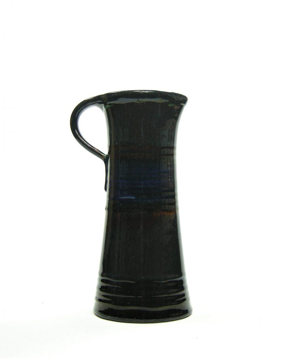364 - Vaas met meerdere kleuren glazuur zwart - blauw - rood