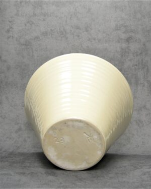 1060 – bloempot Ecri Katwijk 23 crème