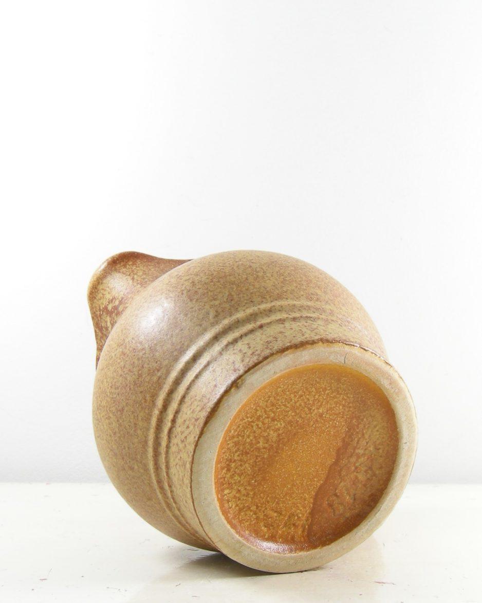 303-pitcher Uebelacker Keramik 1818-12 bruin