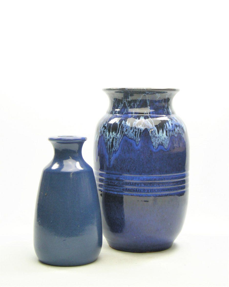 333-vaas met druip glazuur blauw
