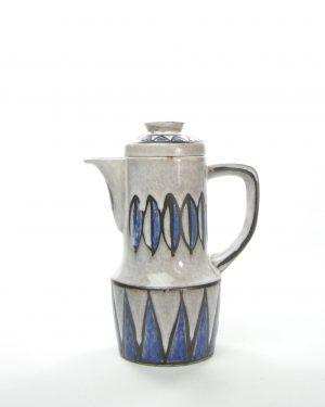 351 – koffiepot grijs blauw – potjesenvaasjes.nl , bloempot, bloempotten, bloempotjes, vaas, vazen, vaasjes, vintage, retro, West Germany, East Germany, servies, keramiek, aardewerk (70)