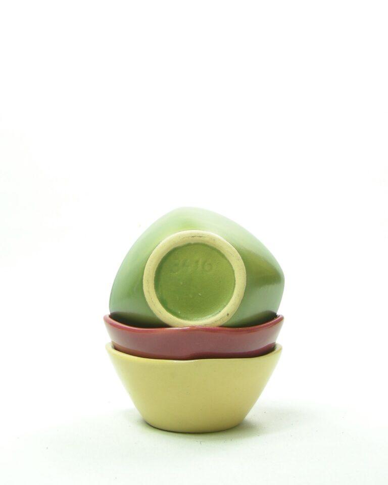 385 – pinda schaaltjes groen, geel en roze