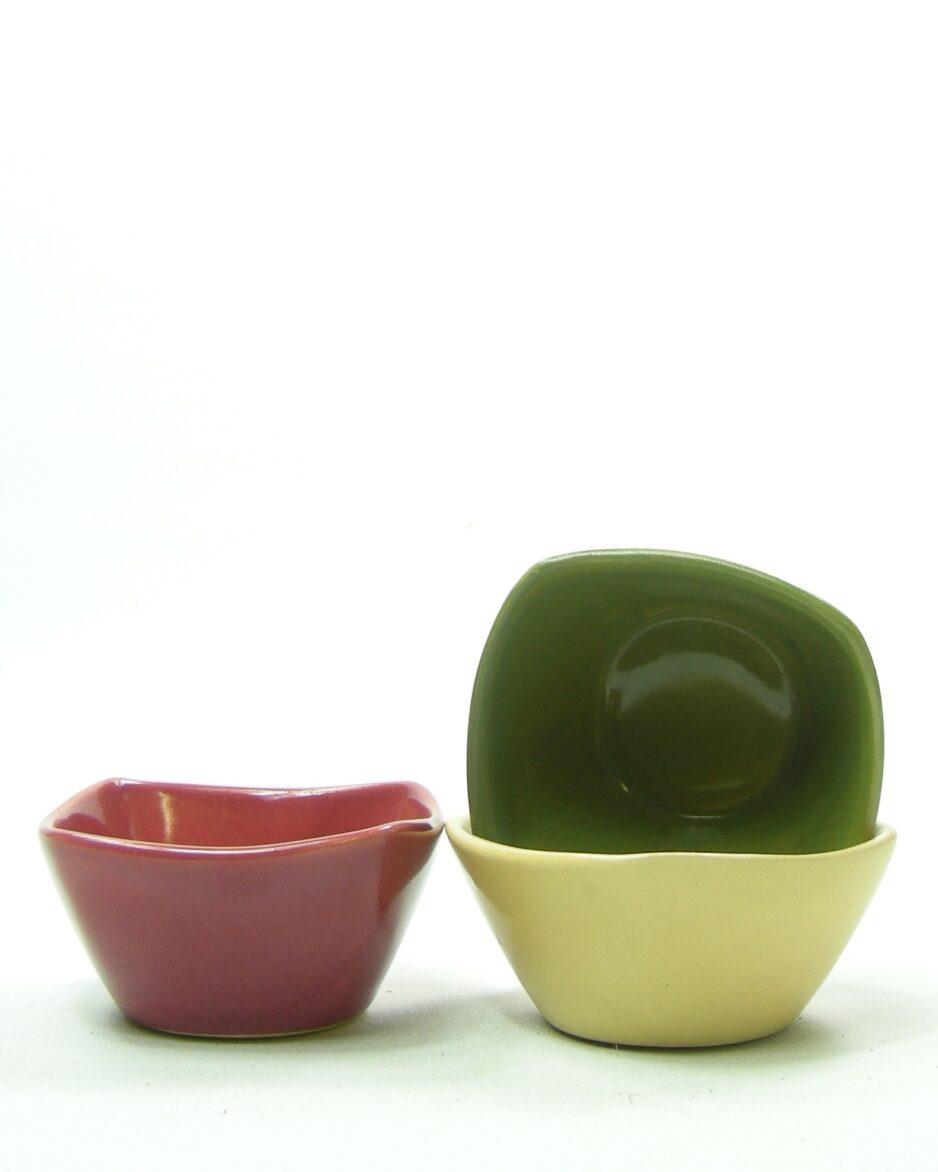 385 - pinda schaaltjes groen, geel en roze