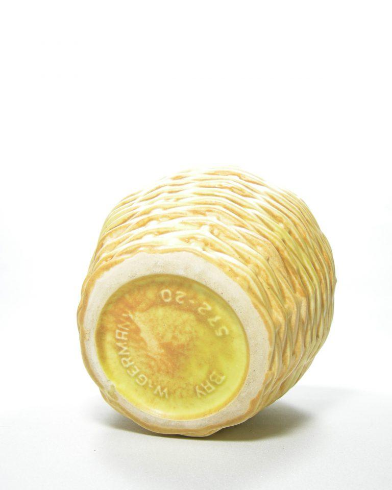 44 – vaas West Germany Bay 575-20 rietenmand jaren 60 geel (4)