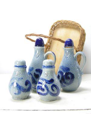 440 - tafelset olie, azijn, peper en zout Marzi & Remy 3056 blauw