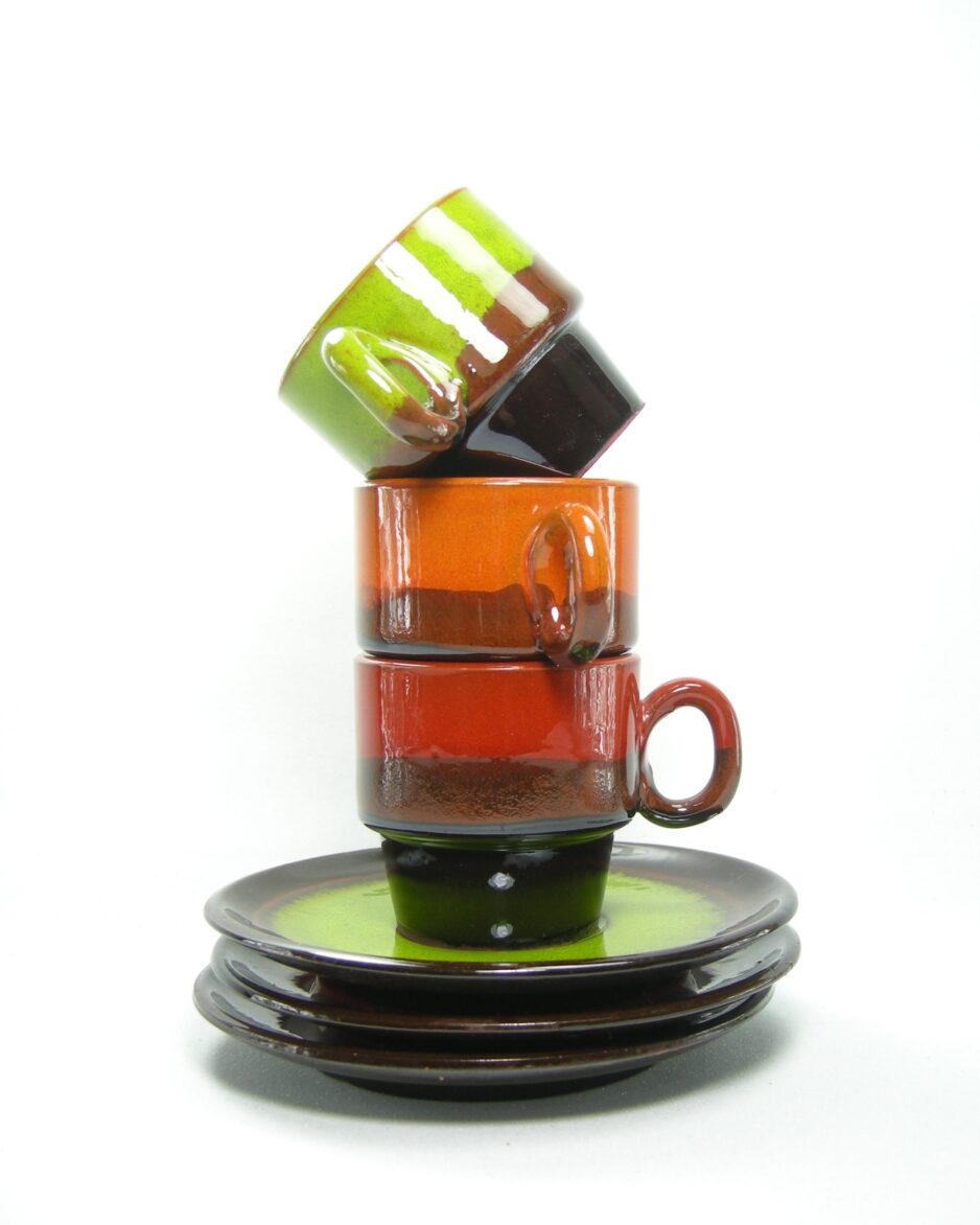464 - kop en schotel oranje, groen en rood