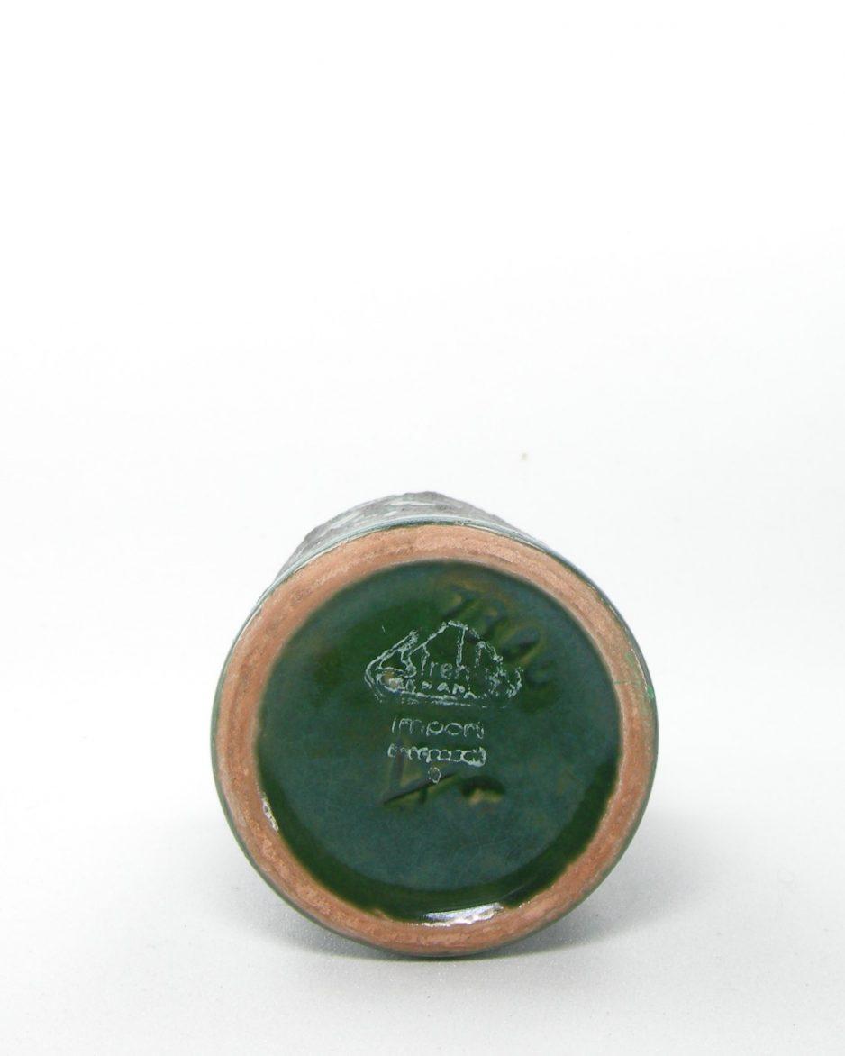 497 - vaasje Strehla 1306 groen-zwart