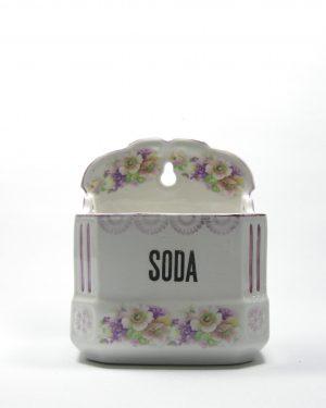 520 - voorraad pot soda Czechoslovakia 1688 wit