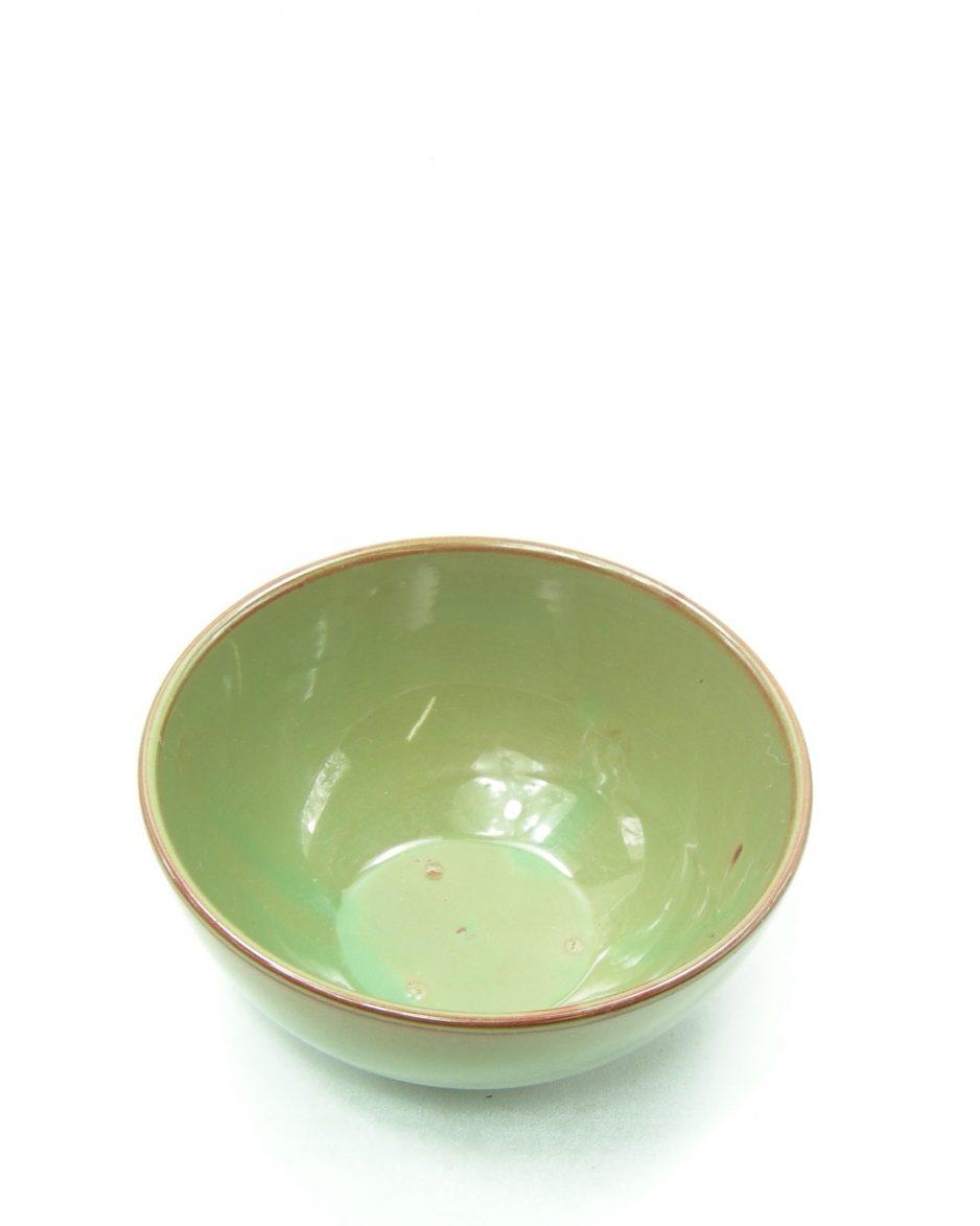 548 - Schaal op stokjes gebakken groen