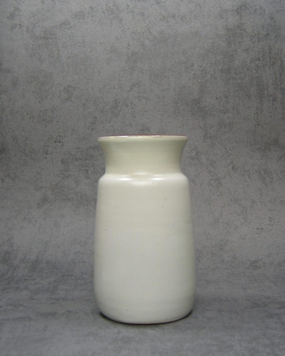 651 - vaas crème