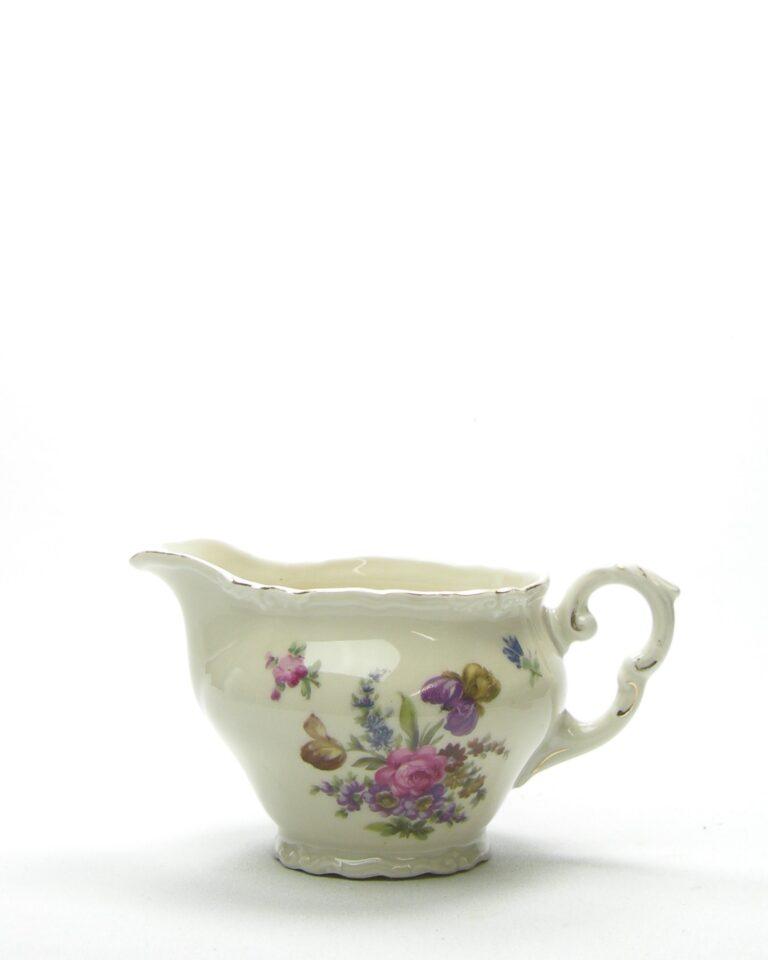 630 – kannetje Epiag wit met bloemen
