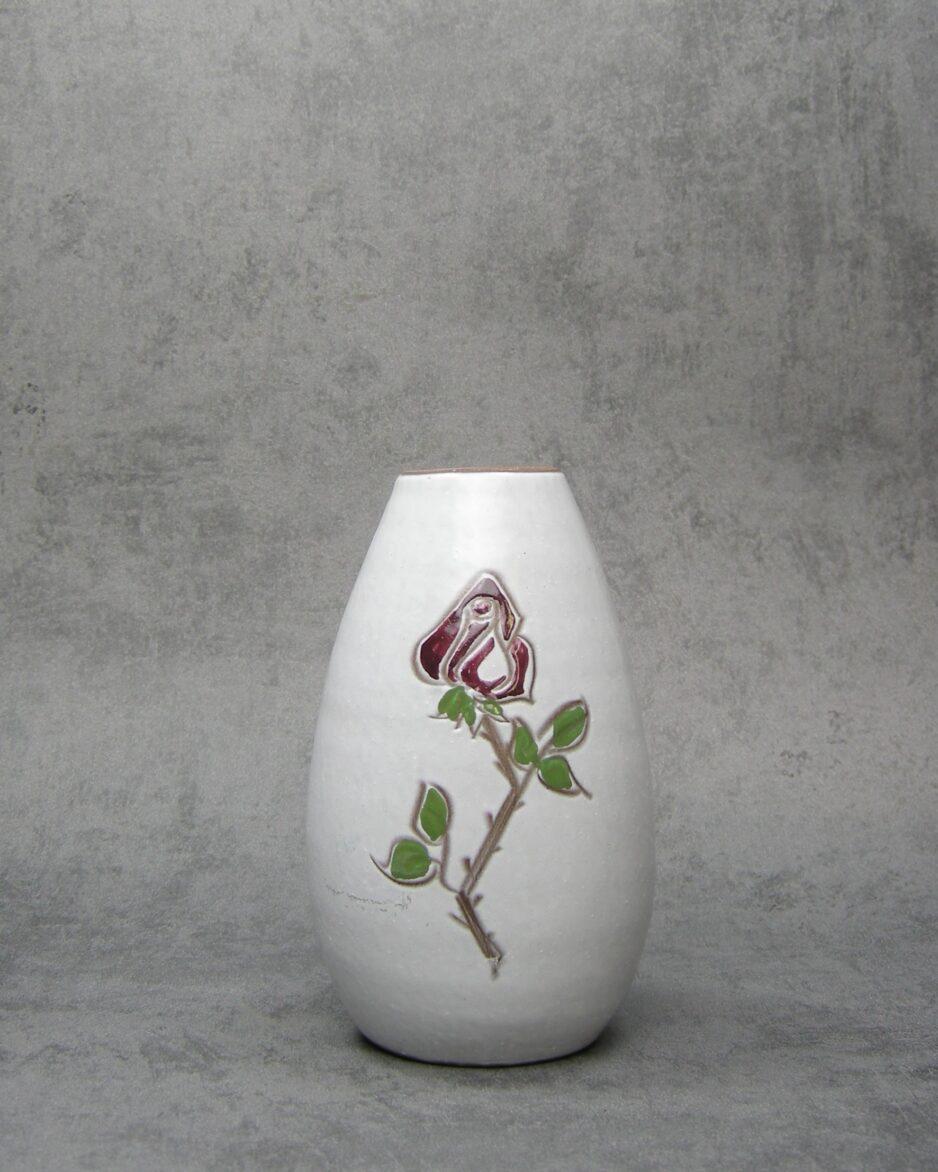 649 - vaasje Holands aardewerk wit met roos jaren 50