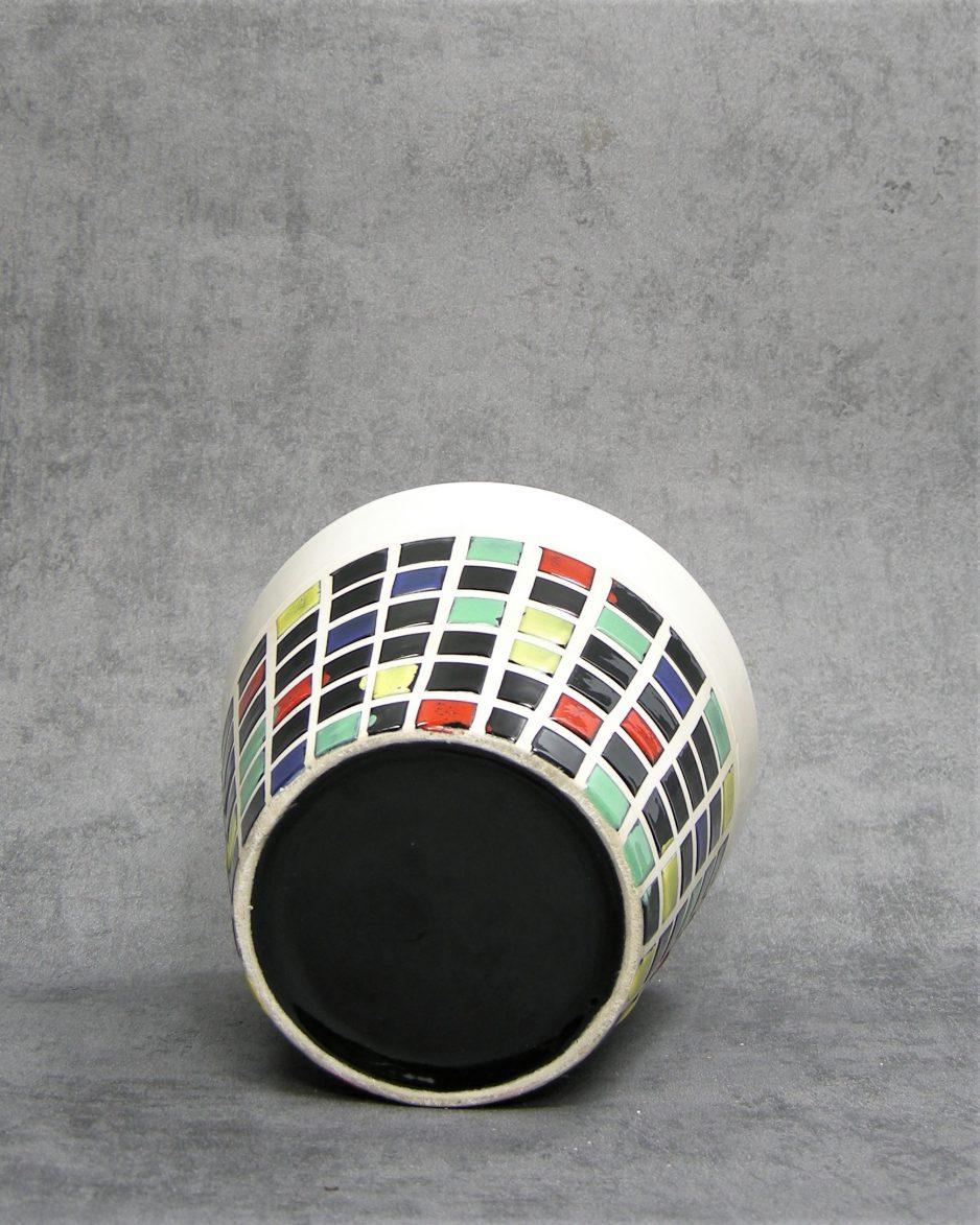803 - bloempot wit met kleuren (1)