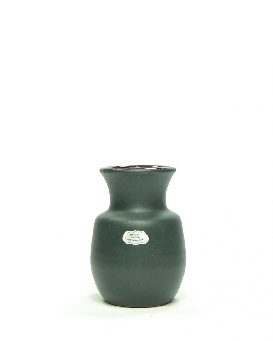 834 - Vintage vaasje Delfos Zoeterwoude groen