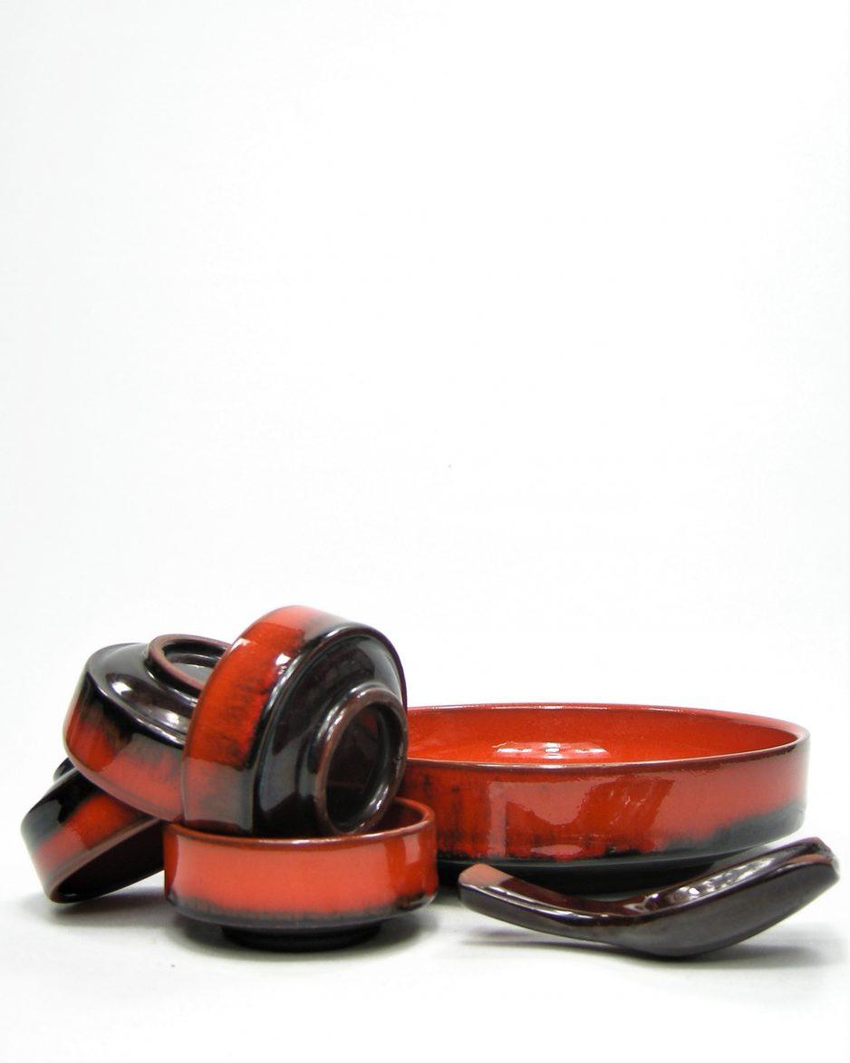 877 - pinda set, schaal met 4 schaaltjes en een schepje oranje - bruin