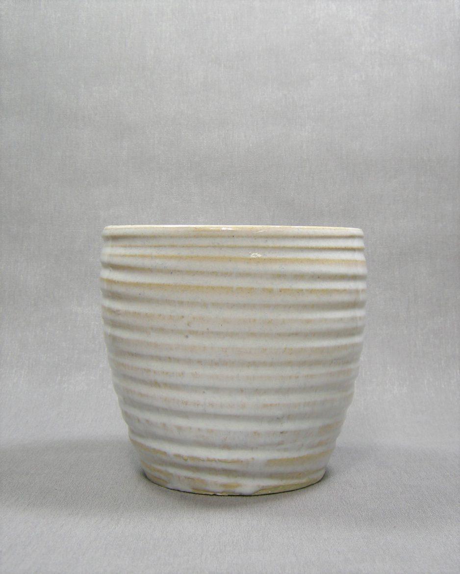 974 - bloempot met horizontale lijnen wit - beige