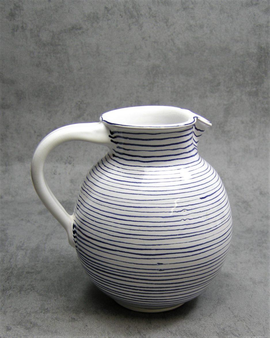 993 - pitcher Hallstatt Keramik wit-blauw