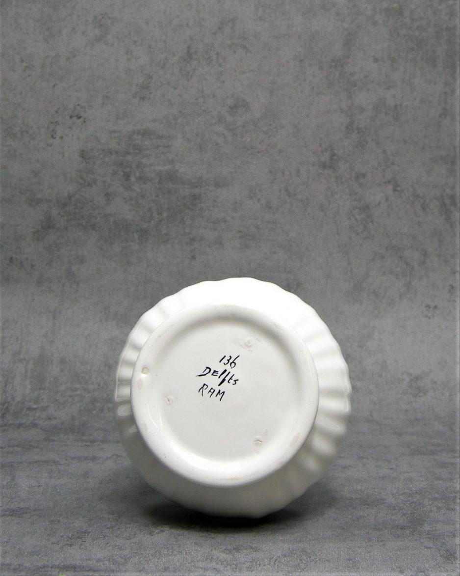 1034 - vaas Delfts Ram 136 wit