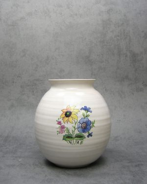 1038 - vaas met bloemen wit