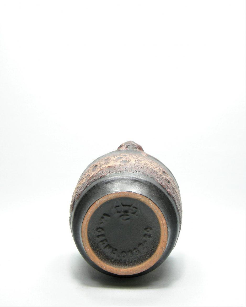 1068 - vaas Carstens Tonnieshof 055220 bruin