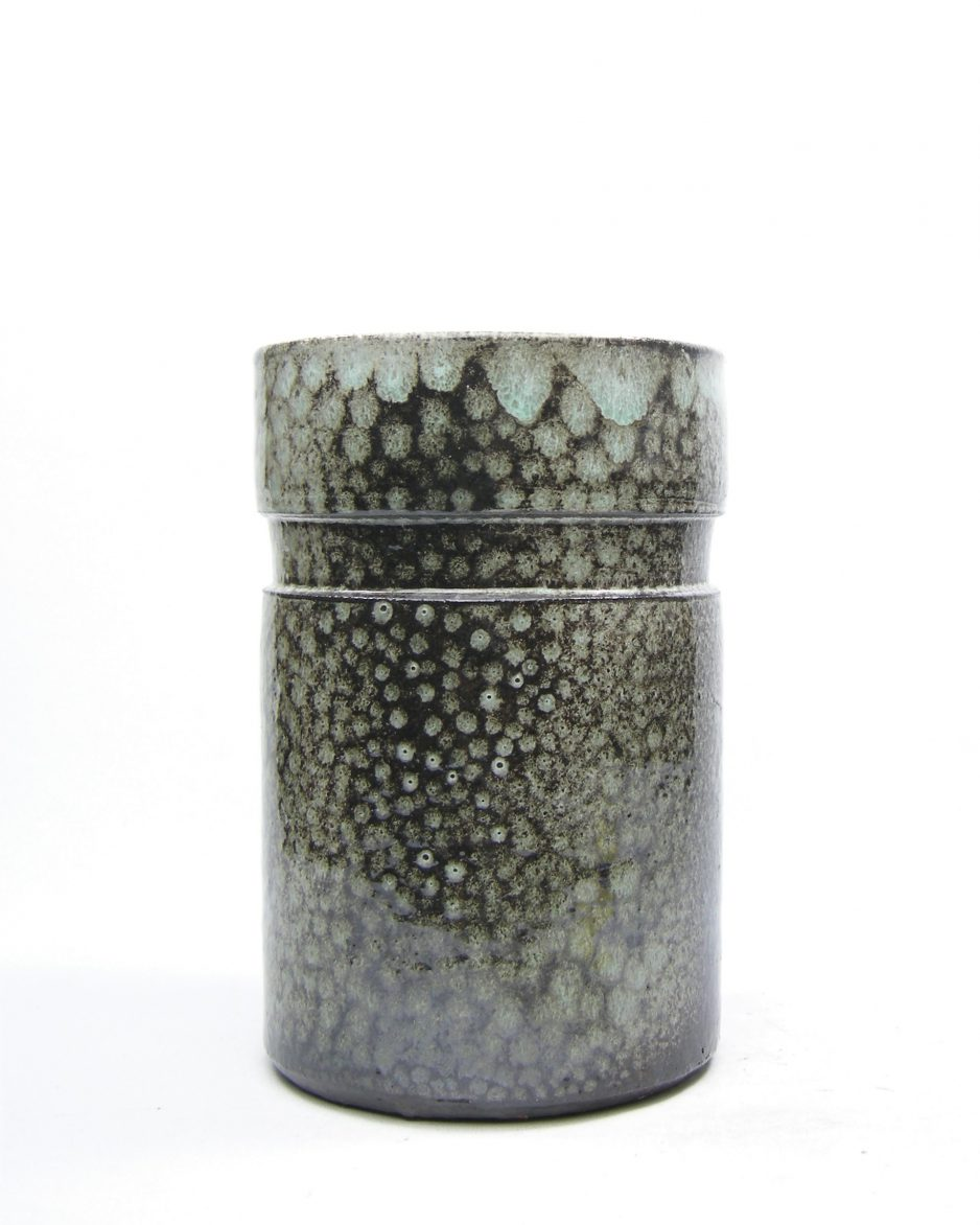 1121 - vaas Pieter Groeneveldt 109-20 circa 1925 - 1952 grijs - groen - bruin