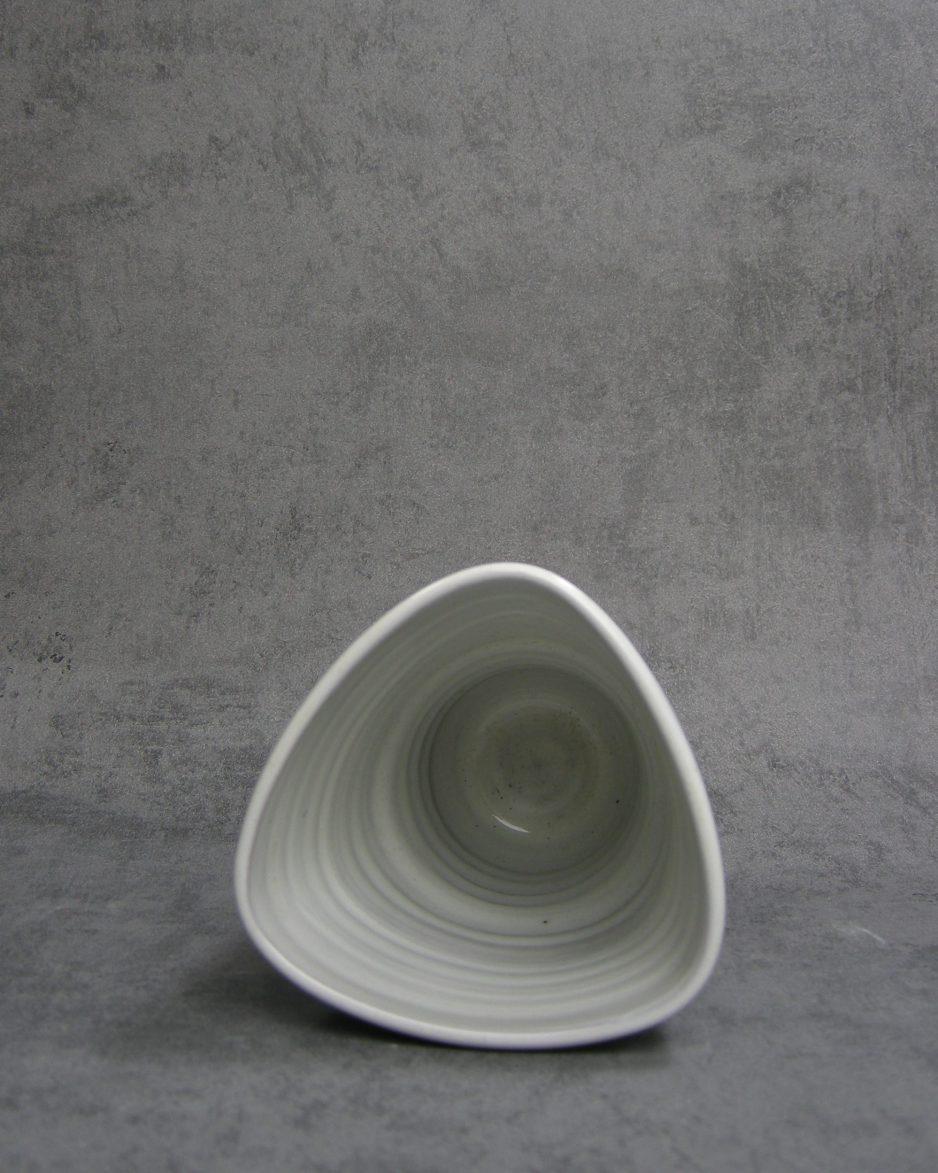 1149 - bloempot - vaas driehoek bruin - wit