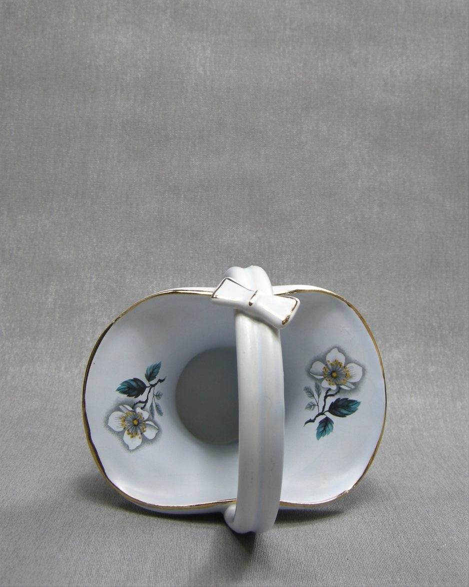 1231 - bloempotje Flora Keramiek Gouda Holland Irene 2091 blauw - wit - grijs - goud