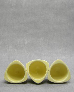 1234 – eierdopjes Flora Keramiek Gouda Holland geel