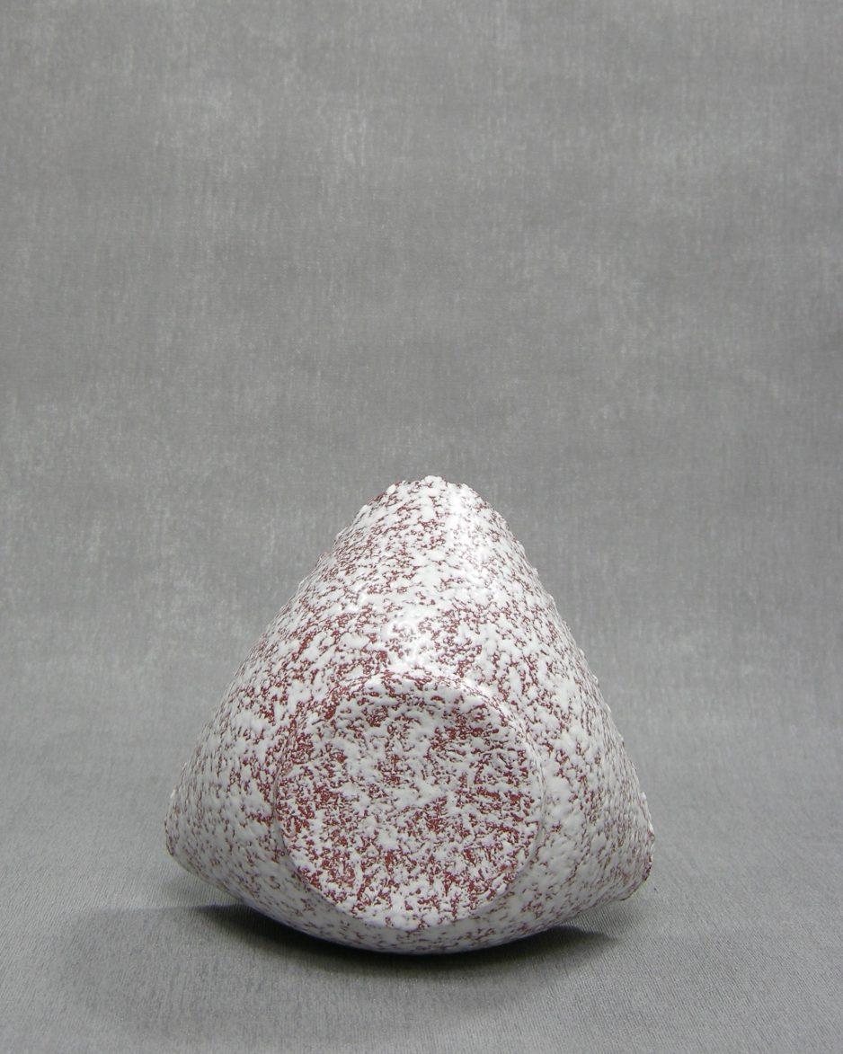 1240 - bloemenvaasje driehoek bruin - wit