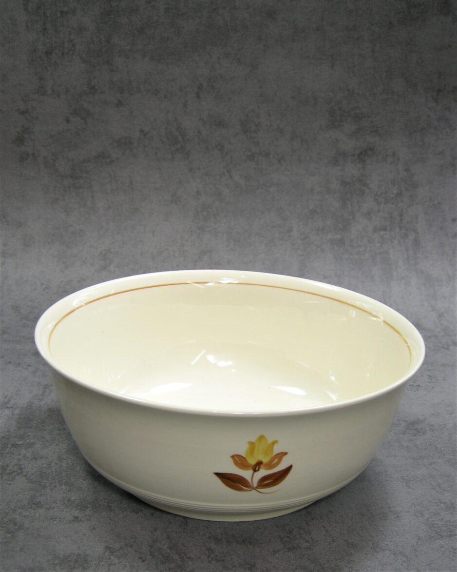 880 - schaal op stokjes gebakken crème - bruin