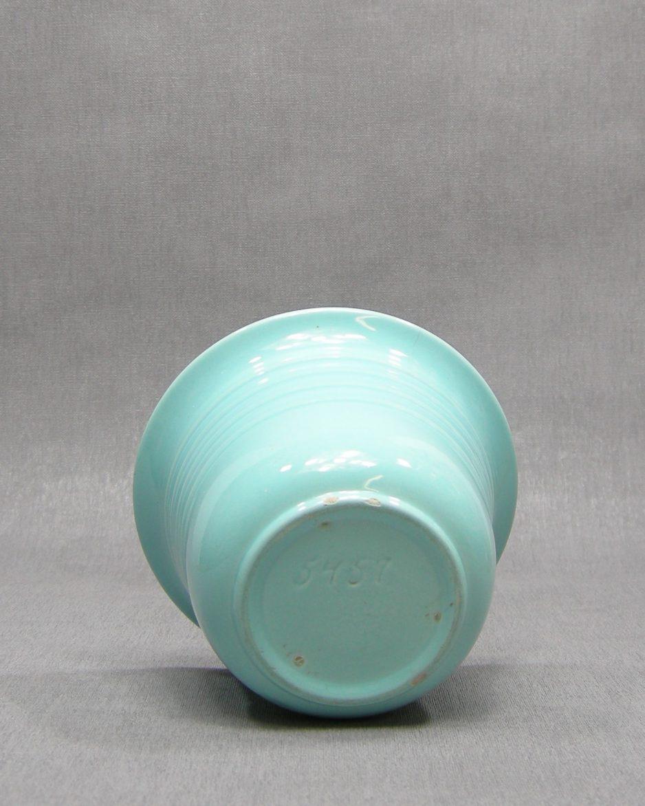 1301 - bloempotje 5457 op stokjes gebakken oud groen
