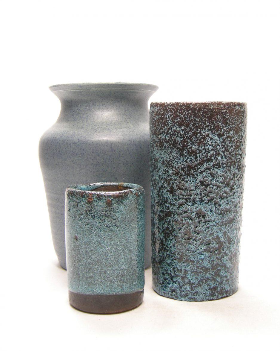 1261 - 1332 - 1364 - vaasjes Pieter Groeneveldt en gesigneerde vaas blauw - zwart