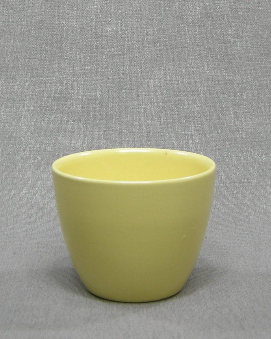 1360 - Bloempot ADCO B geel op stokjes gebakken
