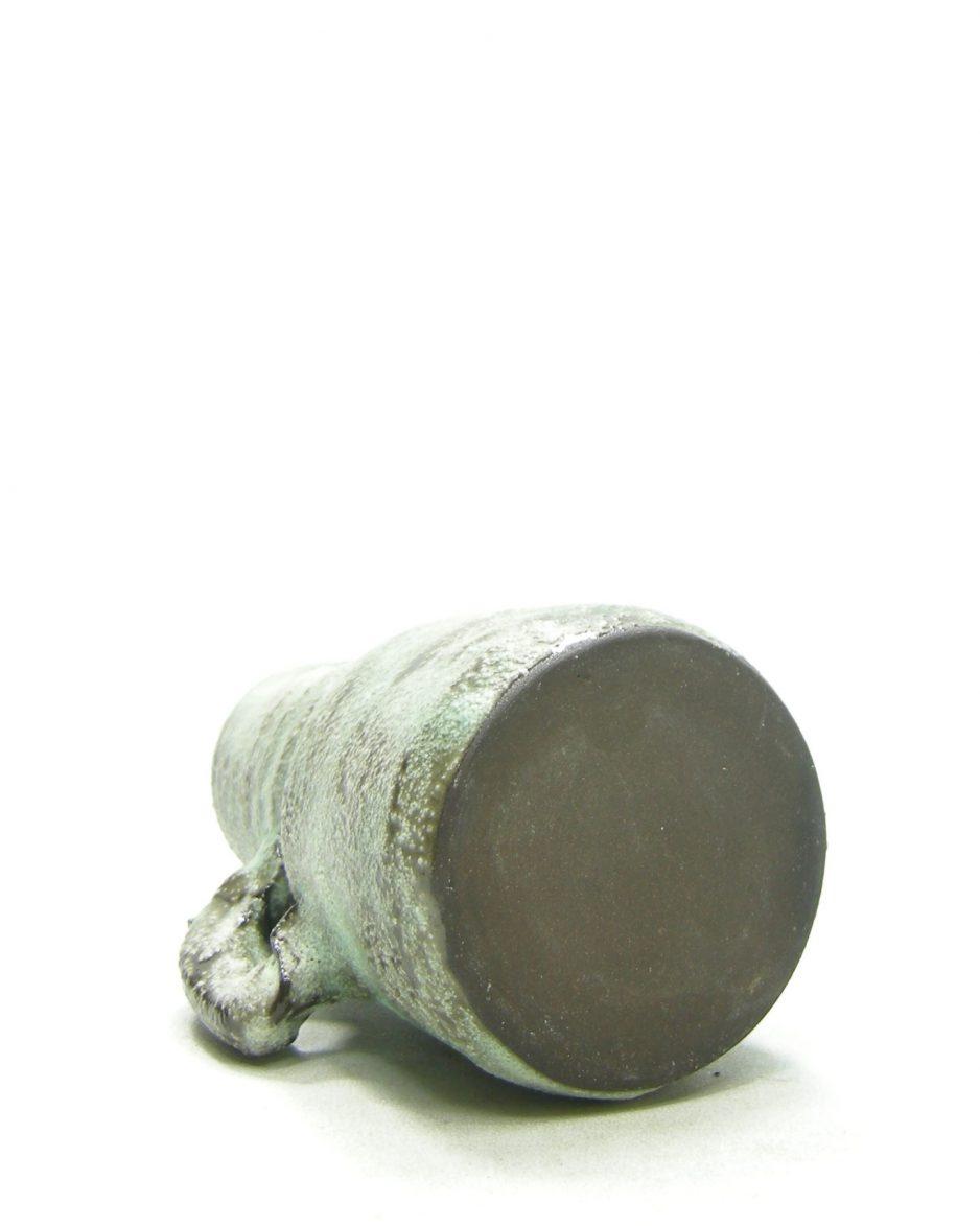1329 - Vaasje met oortje groen - bruin
