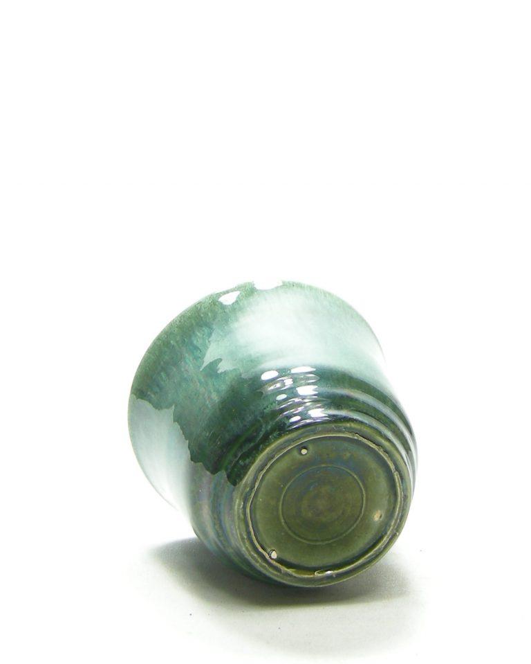 1378 – Bloempotje op stokjes gebakken groen