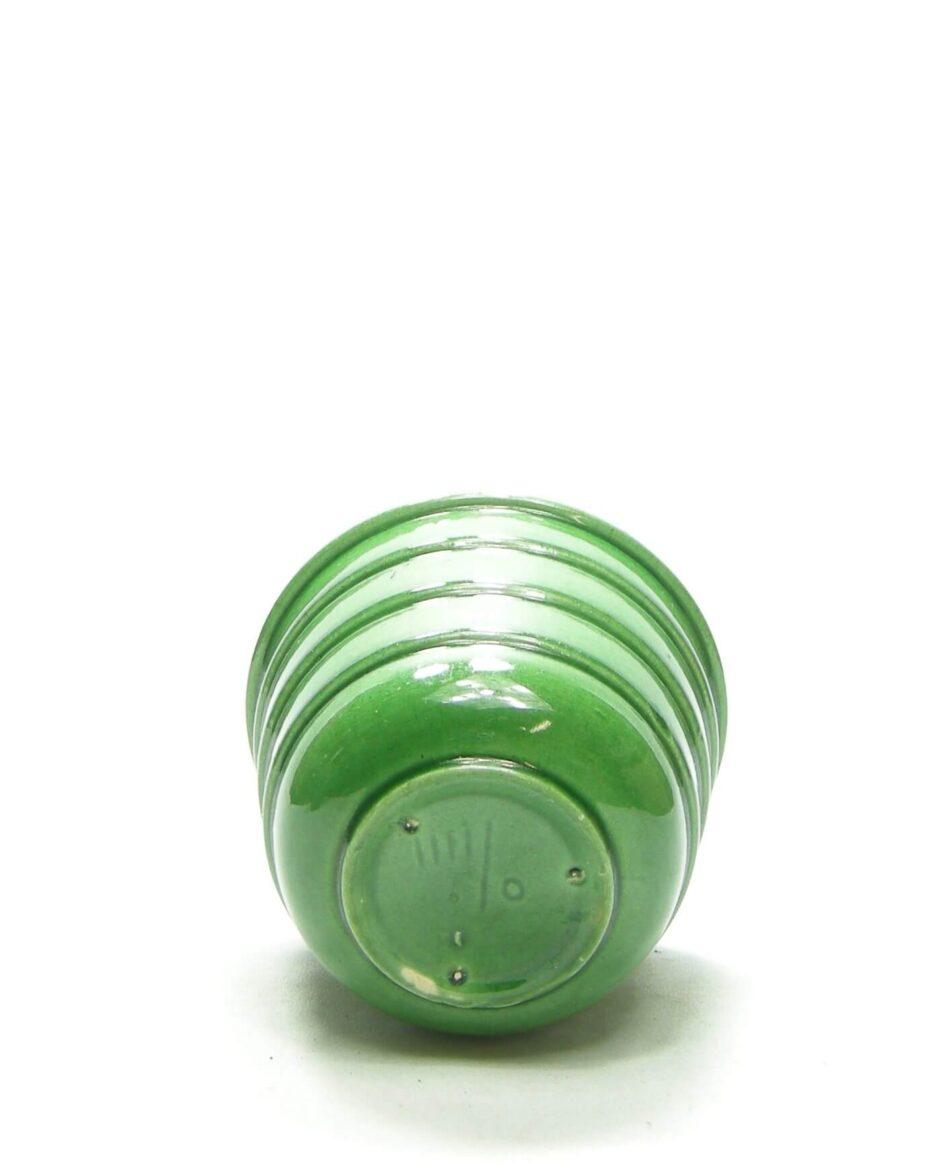 1376 - bloempot 111/0 op stokjes gebakken groen