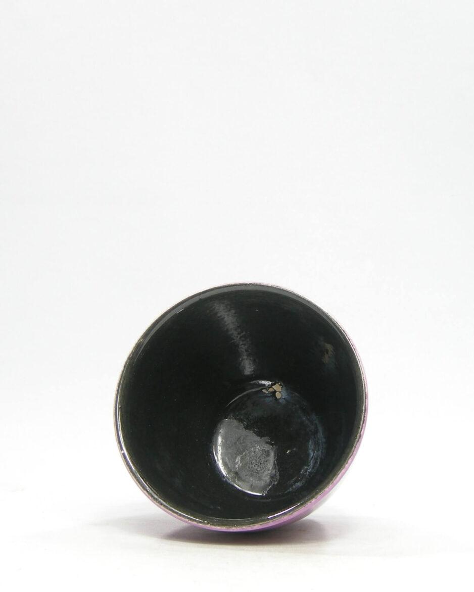 1391 - bloempot ADCO 231 op stokjes gebakken paars