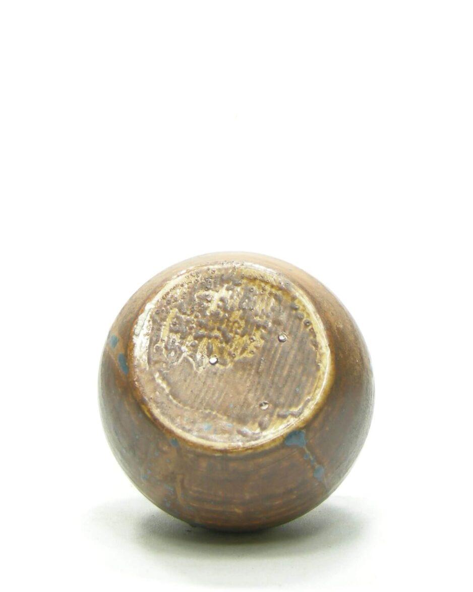 1429 - vaasje op stokjes gebakken bruin - blauw