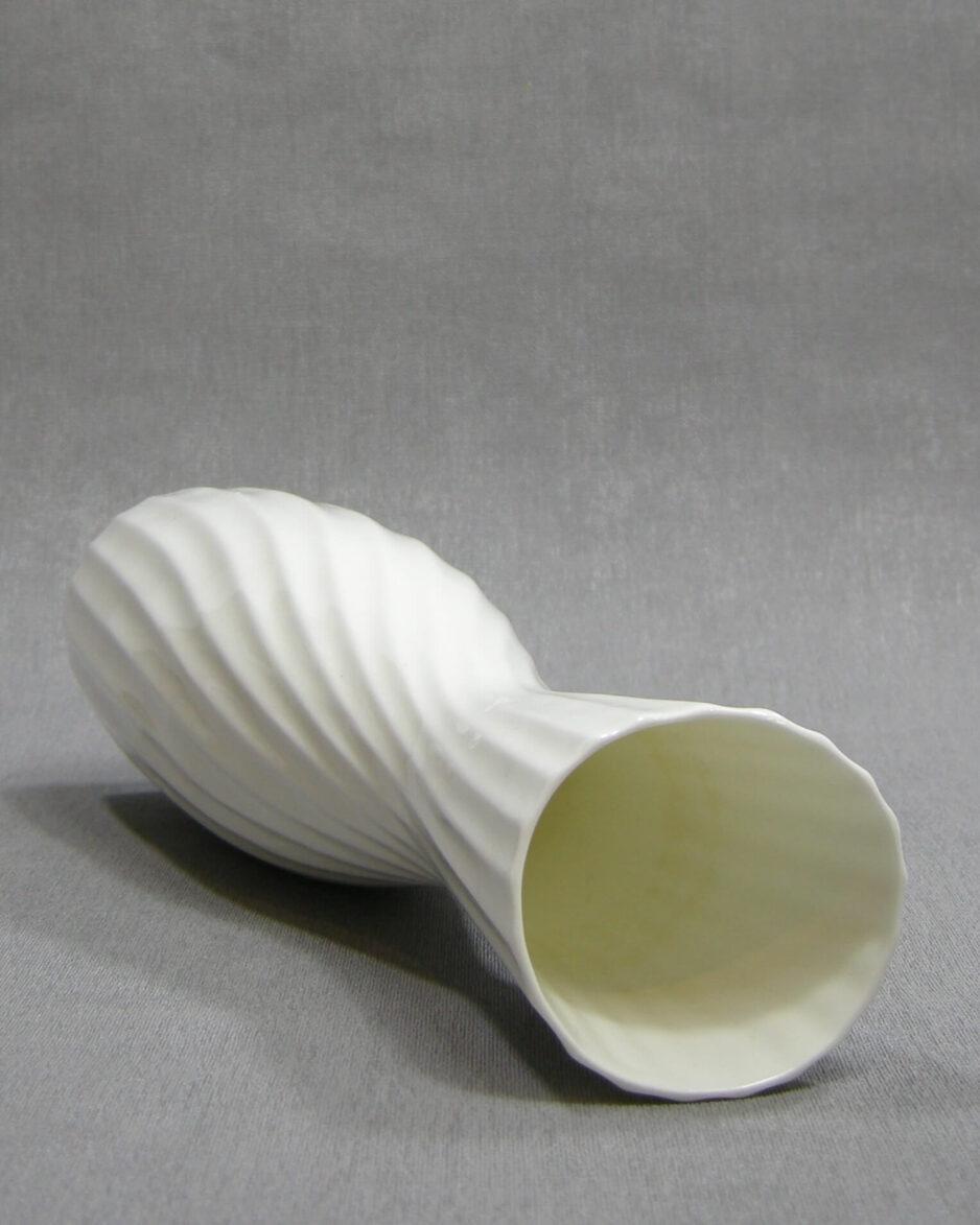 1447 - vaas Porselein Royal Goedewaagen Bone China 2020 wit