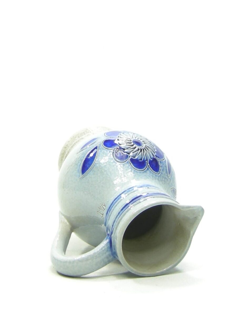 1478 - pitcher BB 14L Keuls aardwerk blauw