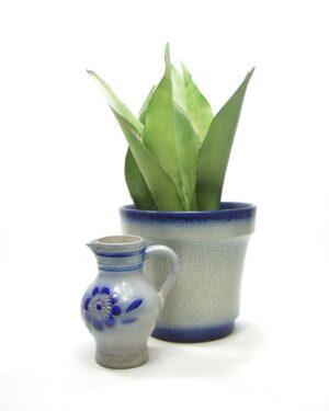 1477-1478 - pitcher BB 14L Keuls aardwerk blauw en bloempot Keuls aardewerk blauw
