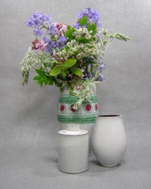 1503 – 1505 – 1507 – vaas met stippen en lijnen, vaasje Westraven Utrecht 641 en vaasje Joep Felder Tegelen 45 wit