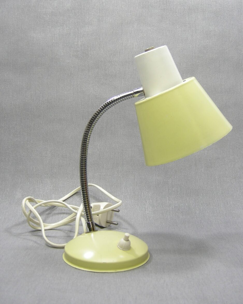 1565 - vintage bureaulamp wit-geel-chroom