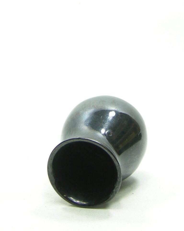 1568 – vaasje zwart