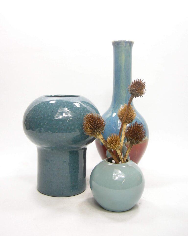 1586 – 1587 – 1588 – vintage wand vaasje, vaas gespikkeld en vaas fles model blauw
