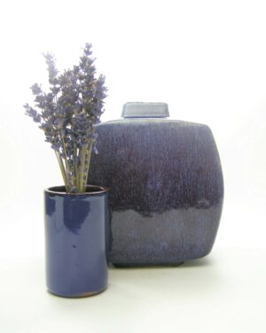 1654 - 1655 vintage vaas vierkant en bloempotje-vaasje cilinder blauw
