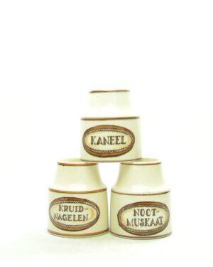 1670 – vintage kruidenpotjes Zenith Gouda 1772 bruin – beige