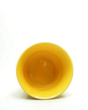 1678 – vintage bloempot ADCO 21112 op stokjes gebakken geel (3)