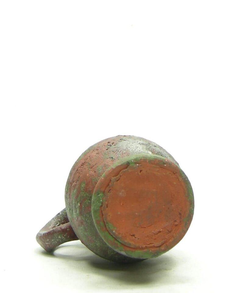 1680 – Vintage vaasje met oor groen – rood – bruin